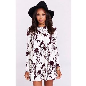 Maroon and white flower dress XS